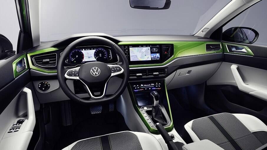 O interior do VW Taigo tem uma combinação de cores mais ousada, o que não acontece com o Nivus do Brasil