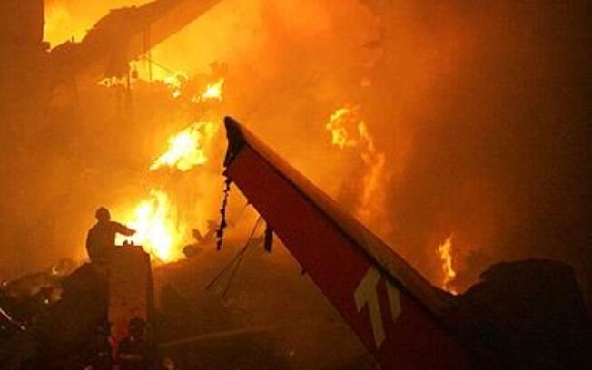 Acidente com o Airbus A320 da TAM ocorreu no dia 17 de julho de 2007 no aeroporto de Congonhas, em São Paulo