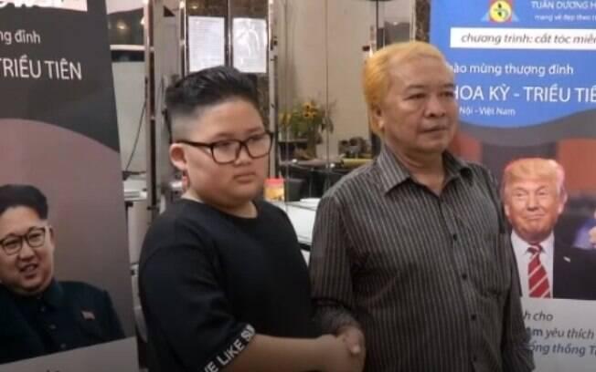 Salão de beleza fica famoso por reproduzir cortes de cabelo de Kim e Donald Trump nos clientes