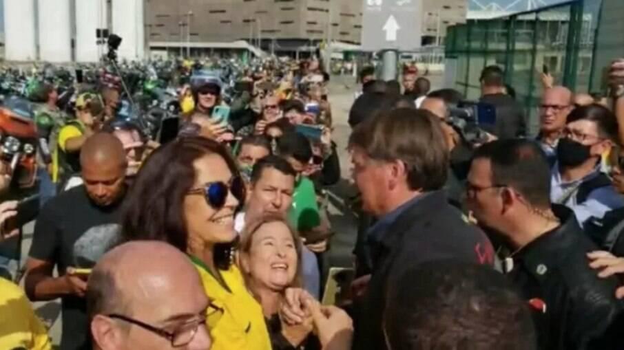 Bolsonaro participou de passeio com motociclistas no Rio neste domingo