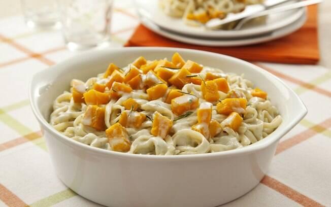 A marca Fortaleza ensina a preparar um delicioso ninho ao gorgonzola com abóbora para o Dia das Bruxas