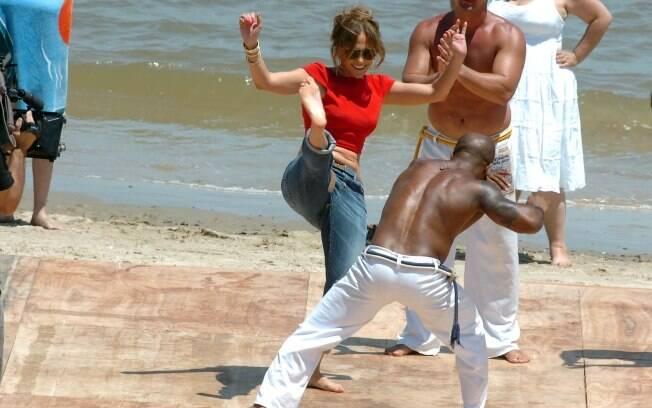 Jennifer Lopez joga capoeira no Uruguai