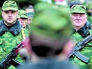 Aos poucos, tropas russas tomam a região ucraniana da Crimeia