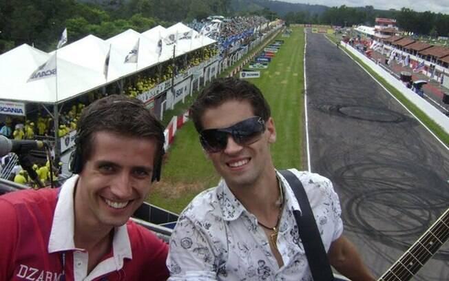 Junior & Marcel durante apresentação na Formula Truck