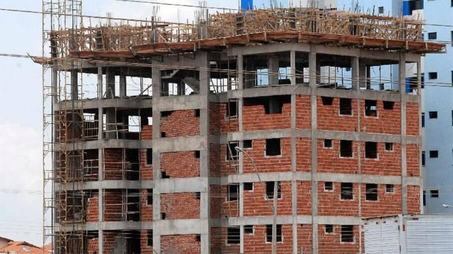 Com juros da casa própria mais baixo, setor da construção civil deve ter novo impulso e gerar empregos