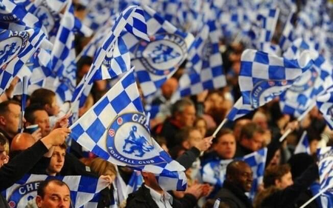 Um torcedor do Chelsea entoou cânticos homofóbicos e foi banido dos estádios por três anos