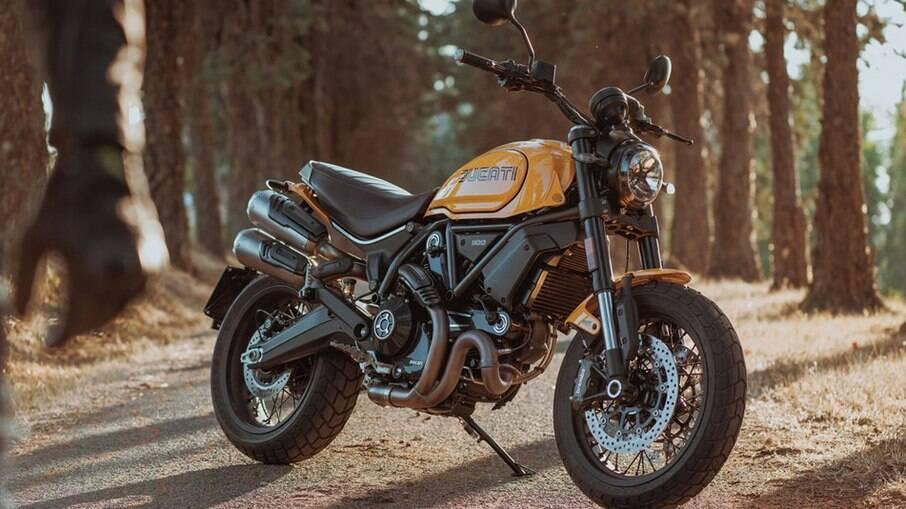 Ducati 1100 Tribute Pro, com detalhes retrôs, passa a fazer parte da linha 2022 da marca italiana