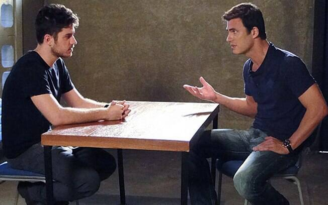 Juan Guilherme conversa com Rafael e o questiona sobre suas atitudes