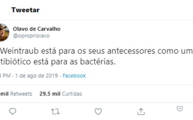 Admirador de Carvalho e de Weintraub, Eduardo Bolsonaro retuitou essa publicação