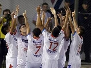 Vitória deixou os paraguaios do Nacional com a classificação à final encaminhada