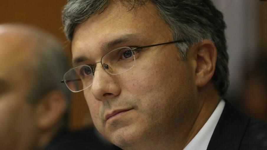 Esteves Colnago aceita assumir Secretária do Orçamento, após saída de Funchal