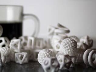 Na CES 2014, a 3D Systems anunciou para o segundo semestre deste ano a ChefJet, uma impressora que faz objetos 3D de açúcar e chocolate, entre outros