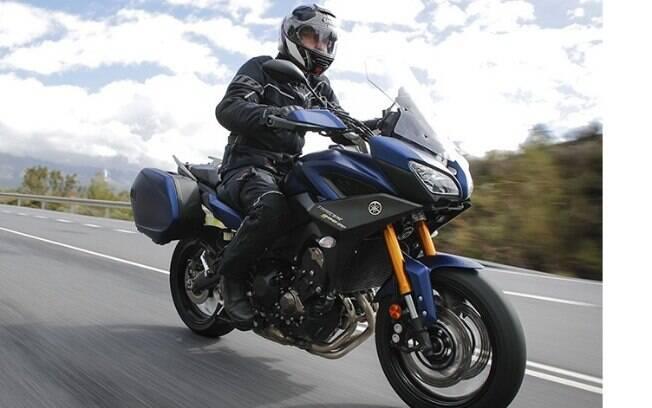 Yamaha Tracer GT 900 chega com novidades pensadas para, segundo a marca, melhorar o design, conforto e a esportividade