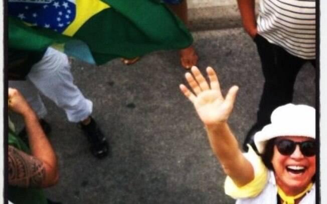 Regina Duarte compartilhou foto na manifestação