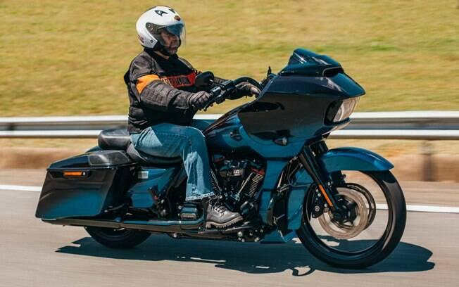 A cor de mosca varejeira da Harley-Davidson CVO Road Glide