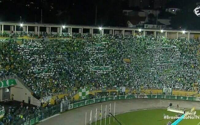 Torcida do Palmeiras discutiu com fãs de banda sul-coreana