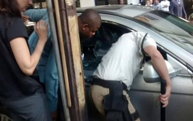 Guarda Municipal quebra vidro do veículo para salvar a criança de 1 ano de idade