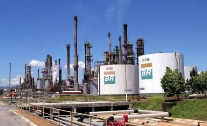 Petrobras lucra R$ 41 bi e adianta dividendos a acionistas