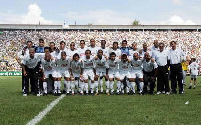 Embalado por Elano e Robinho, o Santos  conquistou o título em 2004. Luxemburgo foi  bicampeão