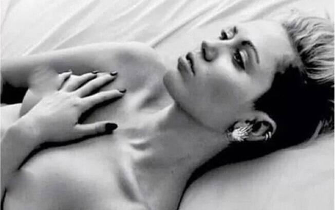 Maria Casadevall e outras famosas que protestaram por meio do topless