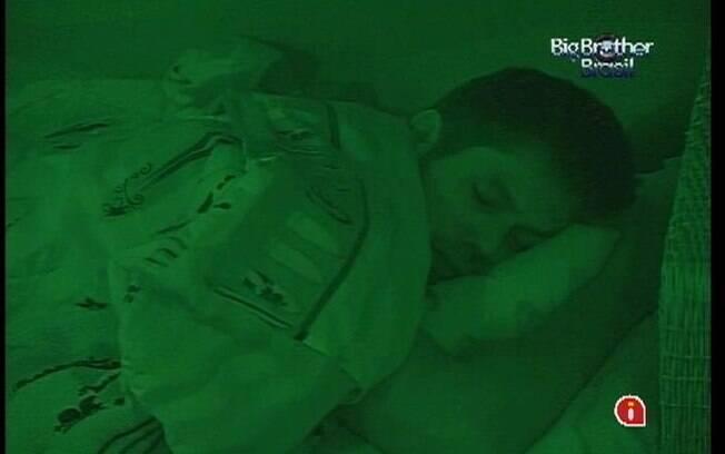 Depois de superar mais uma berlinda, brother dorme