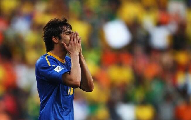 O Brasil perdeu para a Holanda por 2 a 1 e  foi eliminado do Mundial
