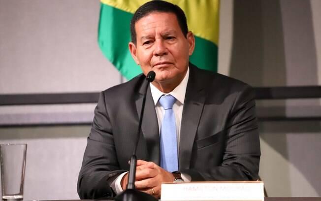 Vice-presidente Hamilton Mourão comentou possibilidade de ampliação do seguro-desemprego e pregou cautela com impacto fiscal da medida