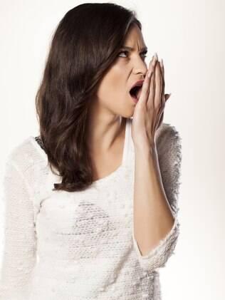 Segundo especialista, a língua é, quase sempre, a maior responsável pelo mau hálito