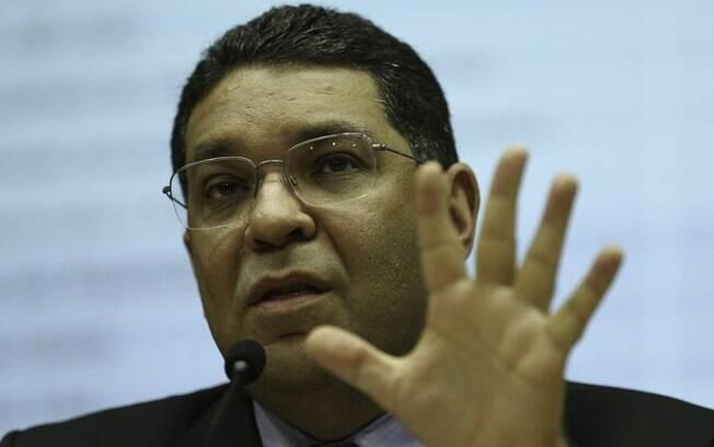 O secretário do Tesouro Nacional, Mansueto Almeida, disse que, com a medida, cerca de R$ 10 bilhões em empréstimos devem chegar aos estados em crise financeira