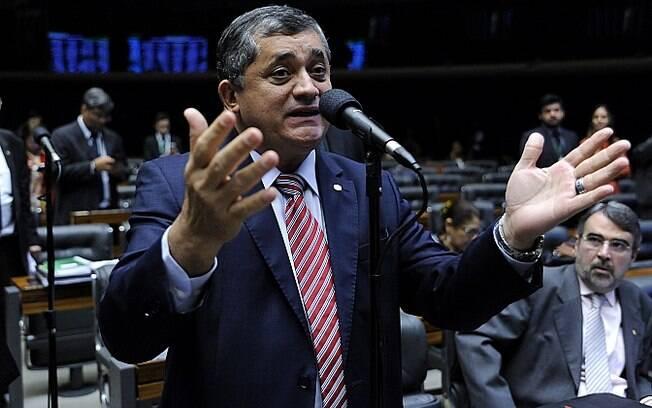 José Guimarães(PT), é líder da minoria na câmara e defende a manutenção do valor do auxílio emergencial até o fim do ano