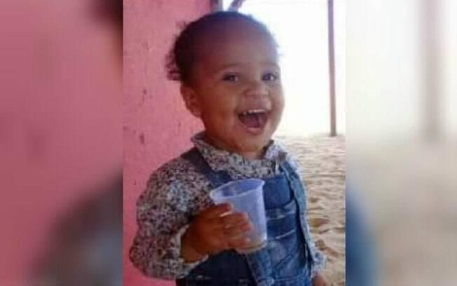 Pai esfaqueou a própria filha de um ano e onze meses