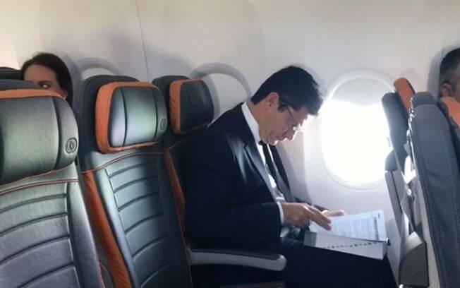 Juiz federal viaja ao Rio de Janeiro nesta quinta; Moro encontra Bolsonaro em sua residência, na Barra, logo pela manhã