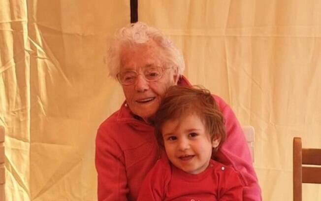Pierina, de 102 anos, e Leonardo, de dois