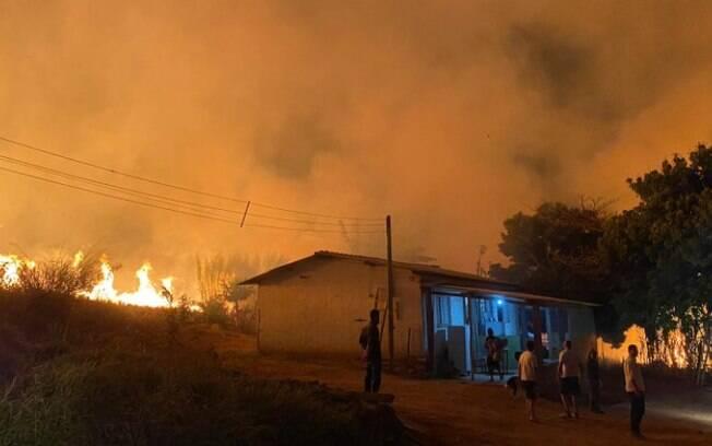 Incêndio em Valinhos obriga operários a deixarem alojamento