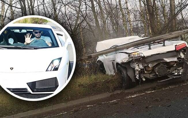 Lamborghini do goleiro Sergio Romero ficou destruída. Ele escapou ileso do acidente