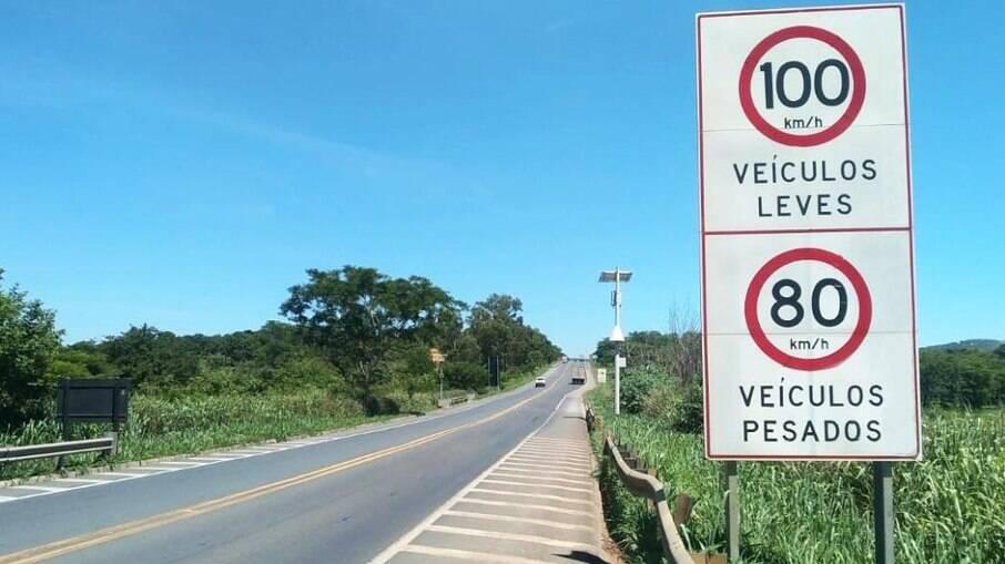 Limite de pontos da CNH passará a ser de 30 pontos para motoristas profissionais