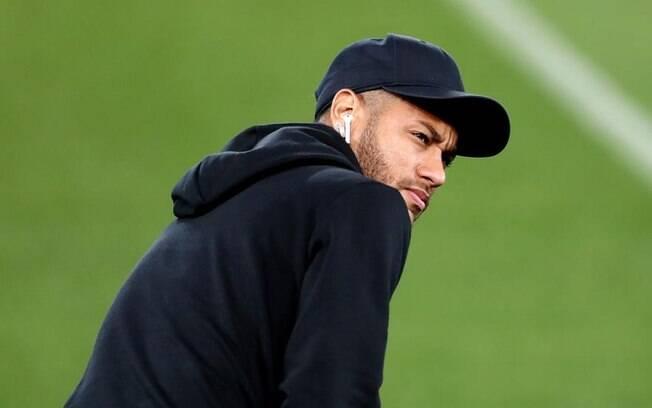 Neymar de boné