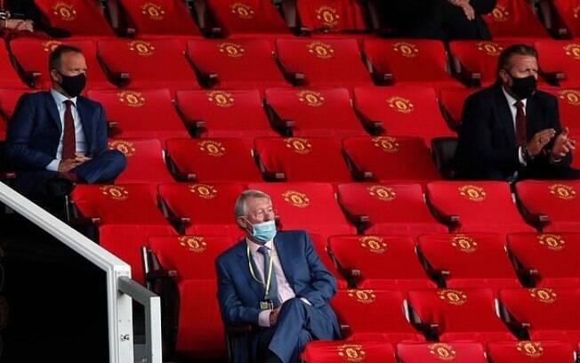 Alex Ferguson não cobriu o nariz com a máscara