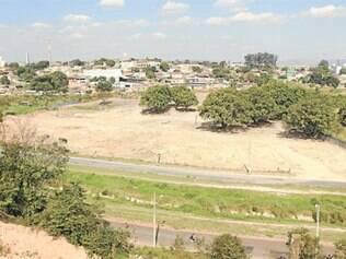 Terreno desapropriado por Carlaile fica às margens da avenida Marco Túlio