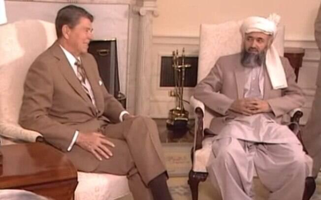 O  presidente Ronald Reagan com líder islâmico