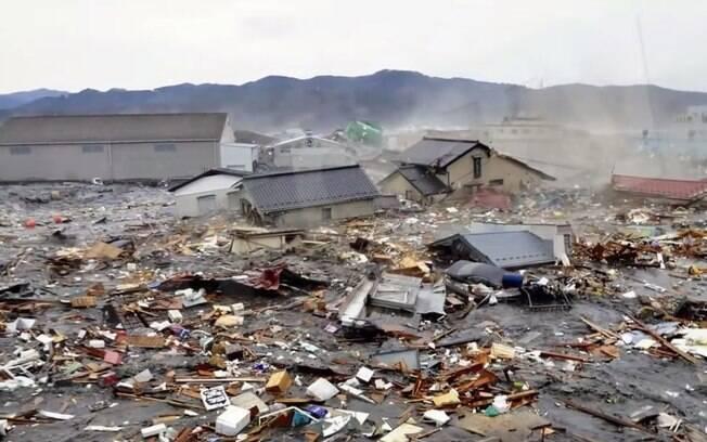 Destroços tomaram conta de cidade da Indonésia após tsunami de 2004 (arquivo). Foto: Reprodução/Youtube