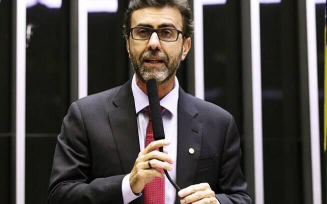 Marcelo Freixo nunca fez alarde sobre morte do irmão