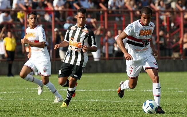 Resultado de imagem para Com gols de Luis Fabiano, Lucas e Cícero, São Paulo goleia o Santos em Mogi Mirim