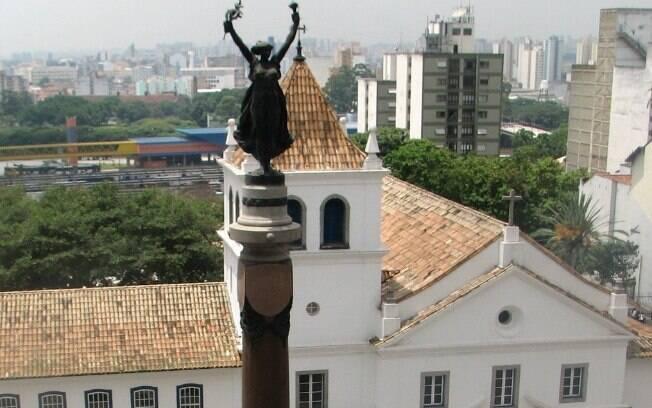Monumento da Glória Imortal aos Fundadores de São Paulo no Páteo do Colégio