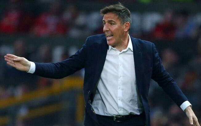 Técnico Eduardo Berizzo chegou ao Sevilla neste ano de 2017
