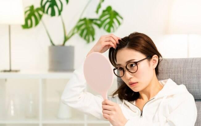 Espinha no couro cabeludo: entenda as causas e saiba como tratar
