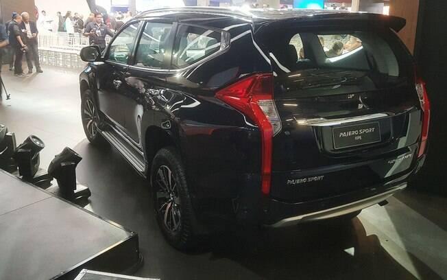 Traseira do novo Mitsubishi Pajero Sport divide opinões no Salão do Automóvel 2018