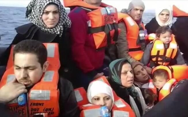 Refugiados têm feito longas travessias para tentar chegar a países como a Alemanha