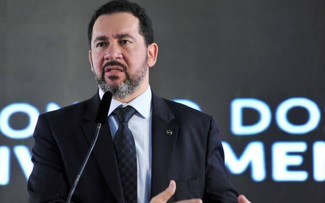Dyogo Oliveira participou com o ministro da Fazenda, Henrique Meirelles do anúncio da nova meta