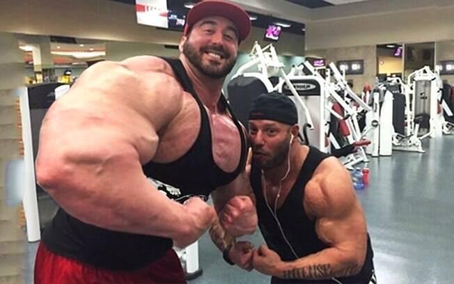 Fisiculturista Craig Golias pesa 160 kg e tem 1,91 m de altura